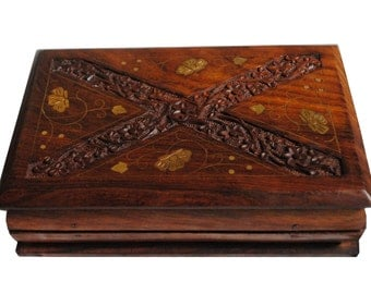 Carved wooden jewelry, gift box
