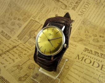 Watch - Men's Wrist Watch - Watch Luch - USSR Watch+ clasp butterfly Gold Plated. 23jewels