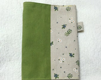 Adjustable Fabric Bookcover with Little Flowers in Beige and Green