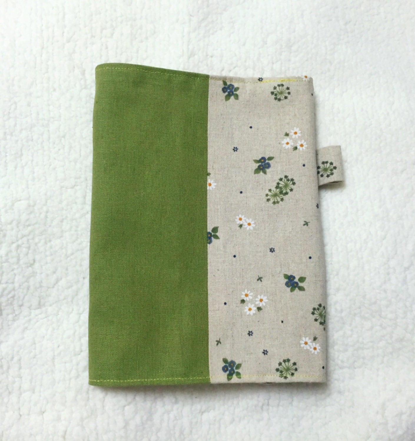 Make Adjustable Fabric Book Cover : Adjustable fabric bookcover with little flowers in beige and