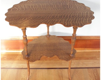 F4480 Antique American Quartersawn Oak Crescent Lamp, Occasional, Side Table with scalloped edge