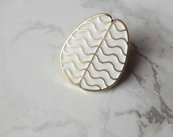 Perfused White Brain Enamel Pin with Gold plating