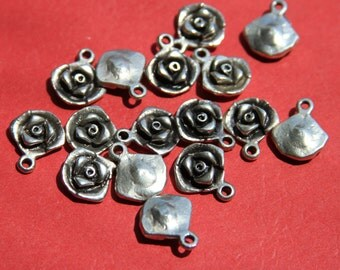 8/7 MADE in EUROPE 5 rose charms, silver rose charm, zamak flower charm (rose5) Qty5