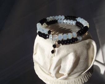 Double Wrap Memory Wire Bracelet- Black/ White