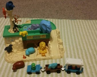 Vintage Fisher Price Little People zoo