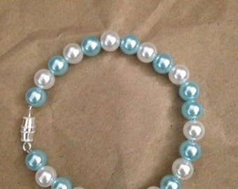 "Blue and white pearl 7"" bracelet"