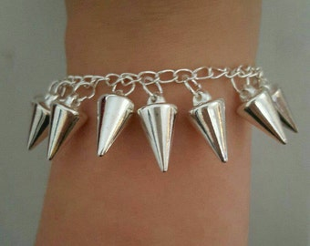 Dangling Spikes