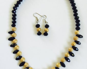 Black Necklace with teardrop beads