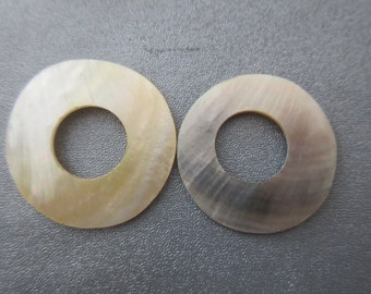 Gold/Black Lips Shell Mother Of Pearl 28/30mm Donuts 2pcs