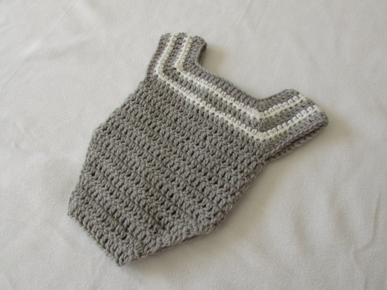 Free Easy Crochet Patterns Baby Bodysuits are perfect for Baby! Ultra soft % cotton bodysuits are the perfect gift for newborn birthdays, Mother's Day, baby showers or any occasion.
