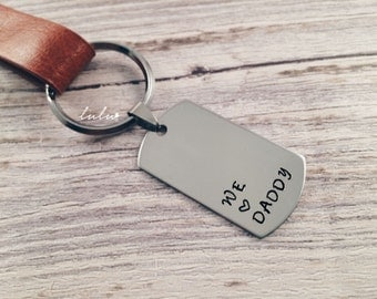 Daddy keychain - Father's day gift personalized keychain - Gifts for dad - Hand stamped keychain - Gifts for him keyring we love you daddy