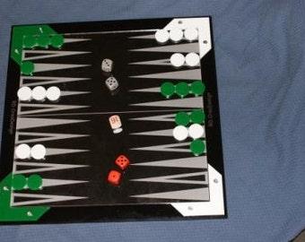 Games: checkers (checkers), Backgammon, mill (Chan, Nine Men