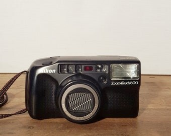 Nikon Zoom Touch 800 35mm Camera Point & Shoot C13-20