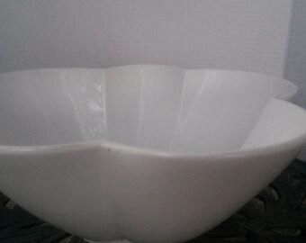 White clover shape bowl .