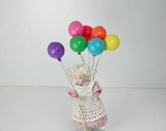 Dollhouse miniatures, balloon in 1:12, toys for the child's Doll House.