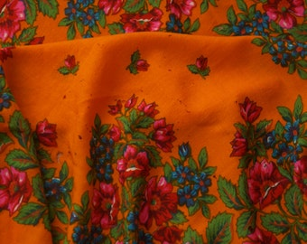 Russian wool shawl. Orange woolen Pavlovo Posad Russian shawl . Pavlovo Posad wool shawl. Vintage shawl. Floral wool shawl. Russian shawl.