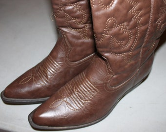Western/cowboy dark brown color boots size 7W low heel