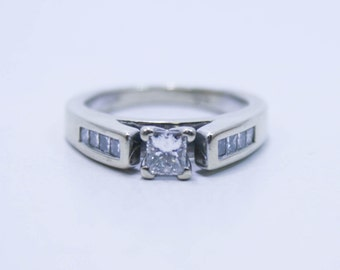 Princess cut diamond engagement ring size 6
