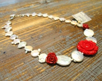 Choker necklace with pearls and silver resin roses/hook/threaded with stainless steel cable