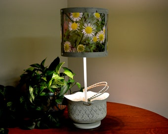 """Vintage Flower Pot Lamp with Shade-A-Delic """"Daisy"""" lampshade"""