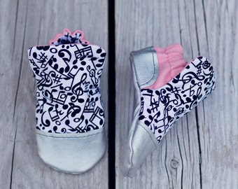 Music note print and Metallic Silver Baby Shoe, Soft Sole Baby Shoe, Baby Booties, Non Slip, Handmade,  Music note print, Baby Moccasins