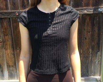 90s black corset closure ribbed shirt