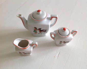 Cute vintage dolls tea coffee set 1940s girl with her goat
