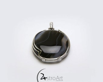 Black onyx with rhodium plated sterling silver 925