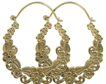 Asian style, finely crafted bronze earrings pair by hand, Made in Italy
