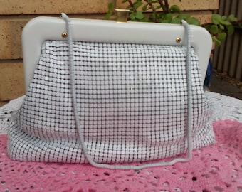 Elegant white Glomesh Handbag