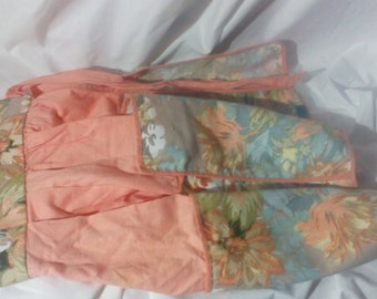 Pretty Vintage Apricot and Floral Apron