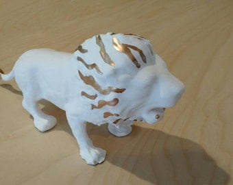 White and Gold Lion Elegant Recycled Toy Plaster Gold Hand-Dipped Hand-Painted Decor