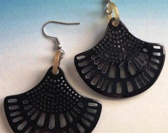 Horn fan earrings