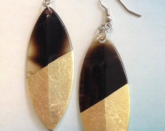Diagonal gold lacquer leaf earrings