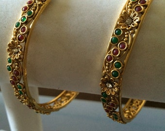 Antique look bangles with Ruby with pearls - *** FREE SHIPPING ***