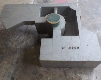 Large Curved Industrial Mold