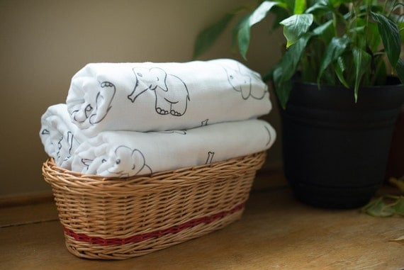 Personalized muslin blanket