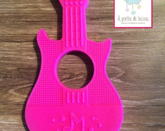 Teether baby silicone - guitar fushia