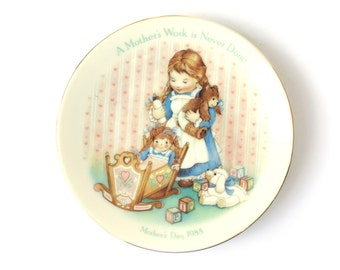 "Avon 1988 ""A Mother's Work Is Never Done"" collectible plate"