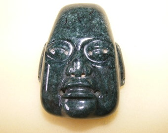 Pre - Columbian Olmec, Aztec Crystal Quartz Head Face ... |Olmec Head Necklace