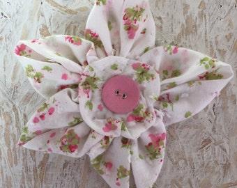 Flower Brooch,Fabric Brooch,Fabric Flower Brooch,Brooch,Handmade,White Pink & Green