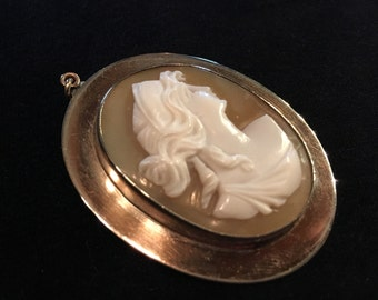 Old Antique Vintage Hand Carved Shell Cameo Pendant of Greek Goddess Hera