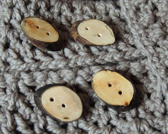 Live edge oval wooden buttons - Naturally sourced hardwood Maple - set of 4