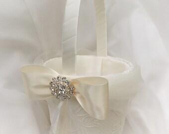 Flower girl basket white, Flower girl White, Wedding basket, Elegant basket, Vintage basket, Flower girl basket
