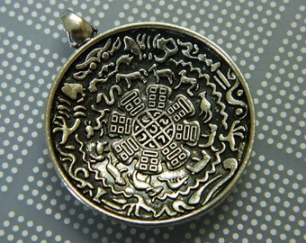 Tibetan Tibet Buddhist Sidpaho Zodiac Vajra Dorje Amulet Pendant - Silver Metal Alloy Tibet Pendant Amulet