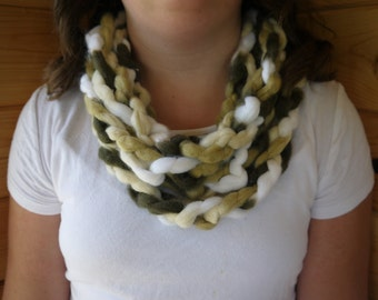 brown black and white chain link scarf