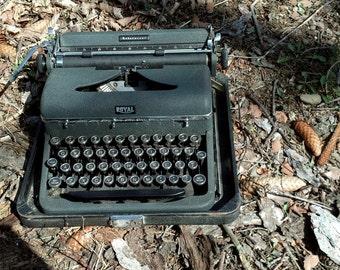 Green 1939 Royal Aristocrat Typewriter