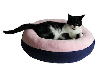 "Cat basket donut, cat bed donut, pet bed, small dog basket, dog bed ""Lily"" for cats kittens en small dogs."