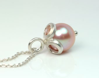 Pearl pendant with silver chain 925
