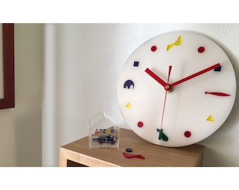 wall clock DOUBUTUTATI